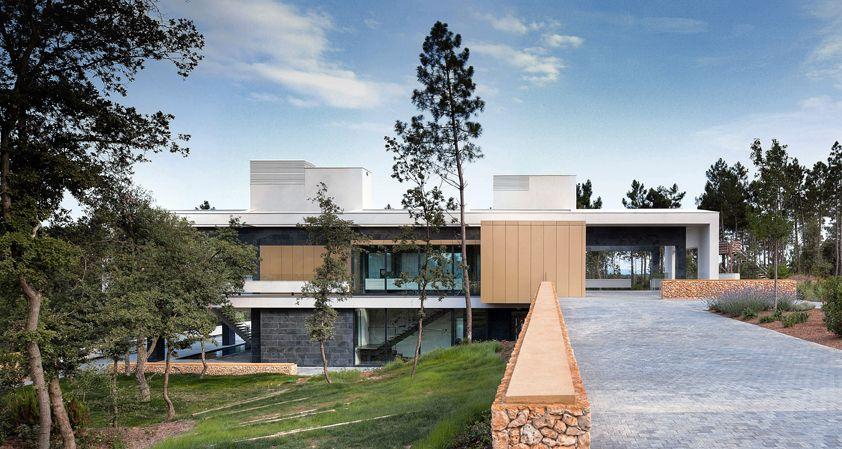 Construido por Lagula Arquitectes en Caldes de Malavella, Spain con fecha 2011. Imagenes por Mauricio Fuertes. Hace aproximadamente ocho años, cuando Lagula Arquitectes era apenas el proyecto común de un grupo de amigos, iniciam...