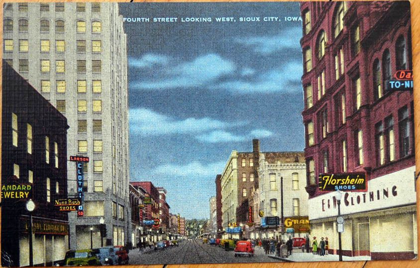 1930s Postcard Fourth Street Downtown At Night Sioux City Iowa Ia Sioux City Sioux City Iowa City Postcard