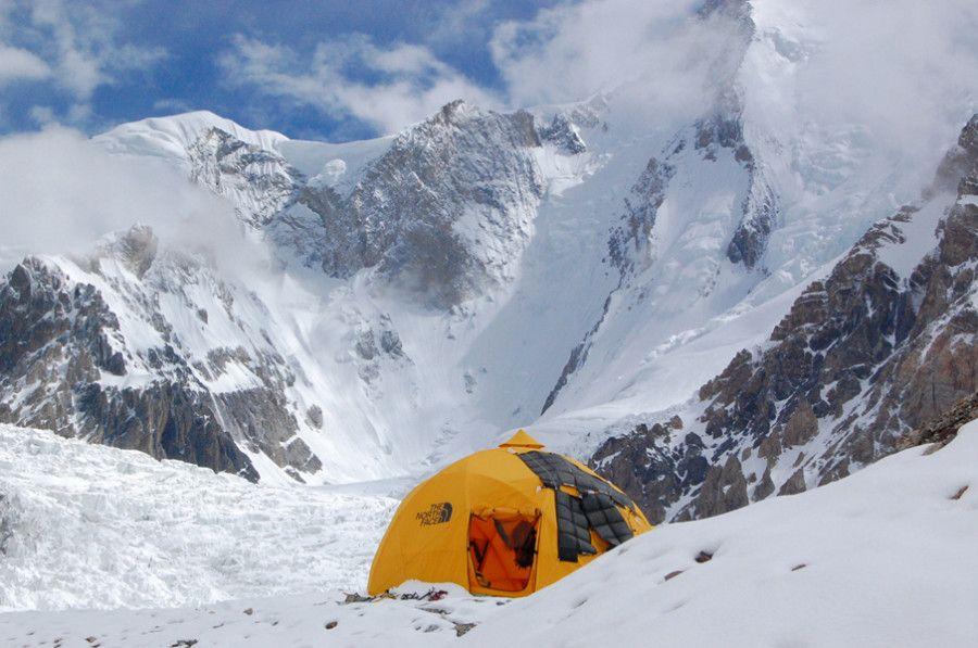 North Face 8 man 2 meter dome tent. Four season Sumit Series basec& tent & The North Face 2-Meter Dome Tent: 8-Person 4-Season | Dome tent ...