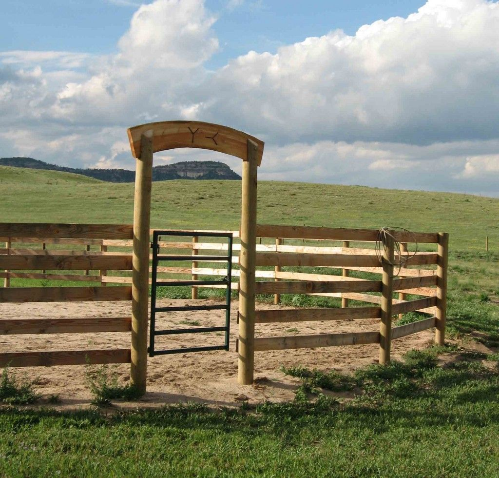 Round Pen Design To Build.