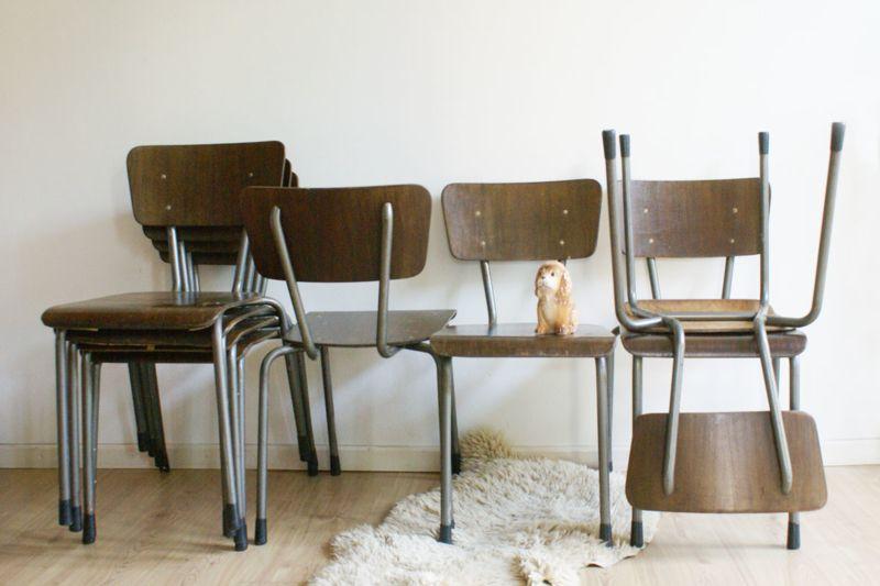 Retro Design Keuken : Set van vintage stoelen retro keuken kantine school stoeltjes