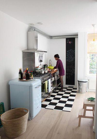 El piso cuadriculado blanco y negro lindas cocinas - Cocinas bonitas ...