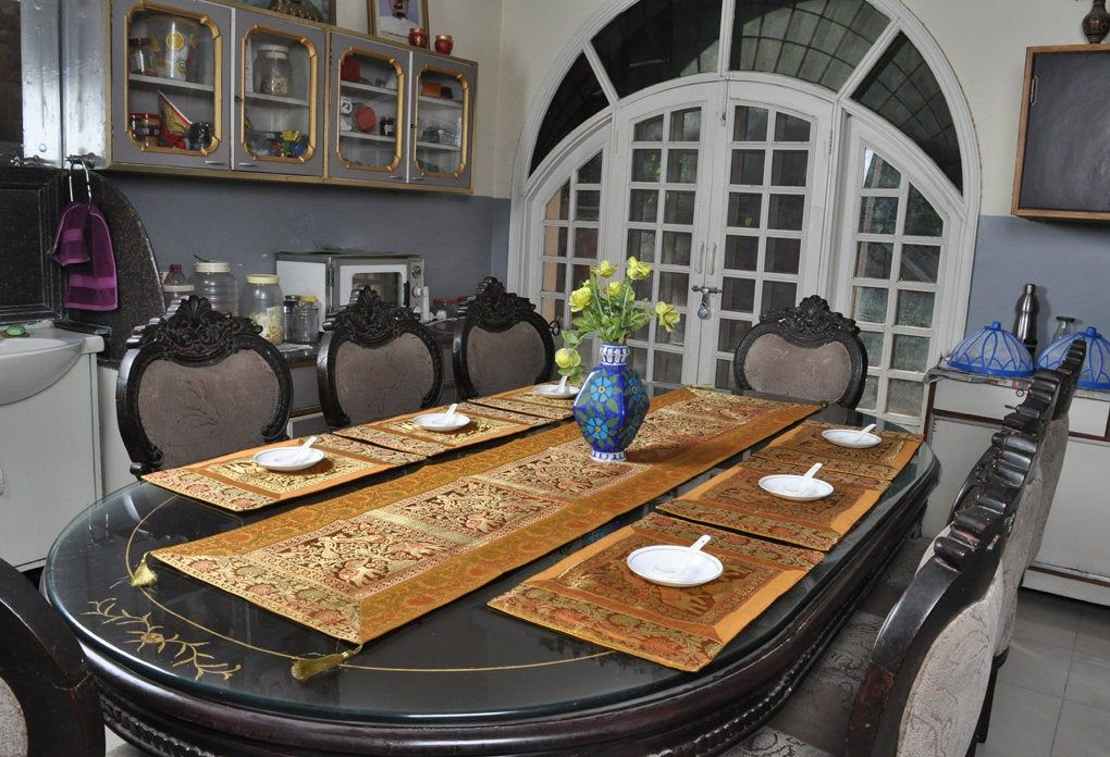 Housewarming Gifts Silk Table Cover Coffee Dinner Dining Table Decor Runner Placemats Set Of 7 Pcs Dining Table Runners House Warming Gifts Dinner Table Decor