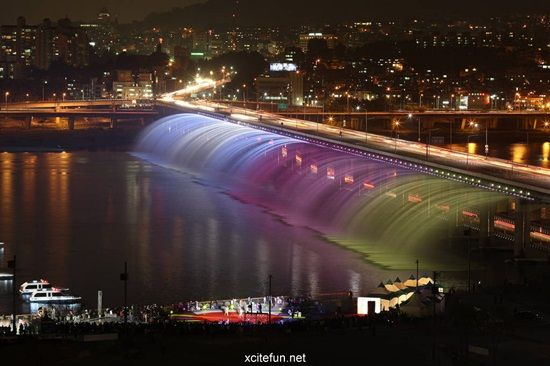 Banpo Fountain Bridge in South Korea
