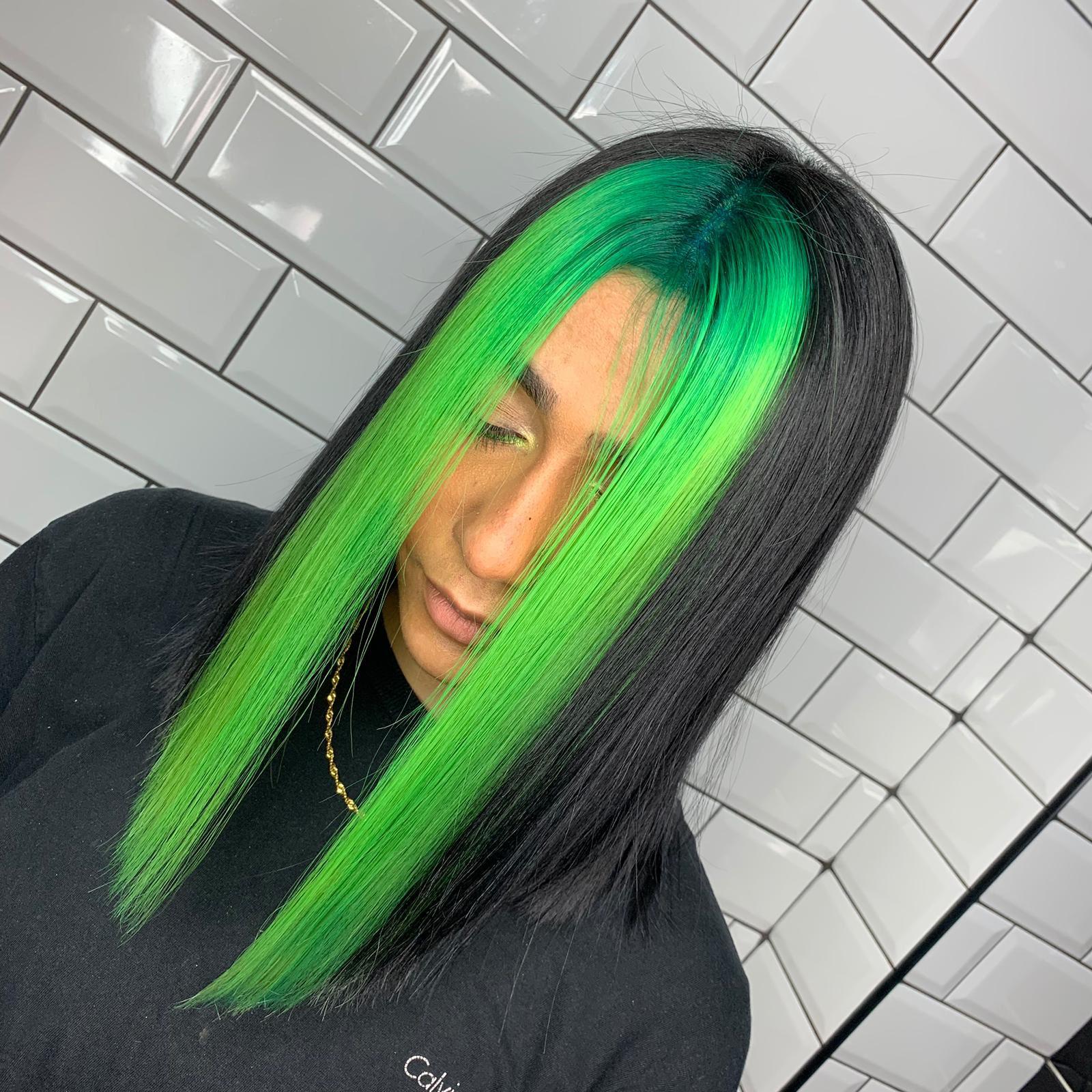 Pin By Aaliyah Rivera On Colour Craze Hair Styles Dyed Hair Hair Streaks