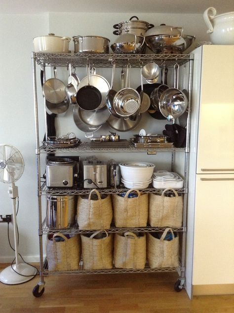 Hang Pots And Pans From Bakers Rack With Images Small Kitchen