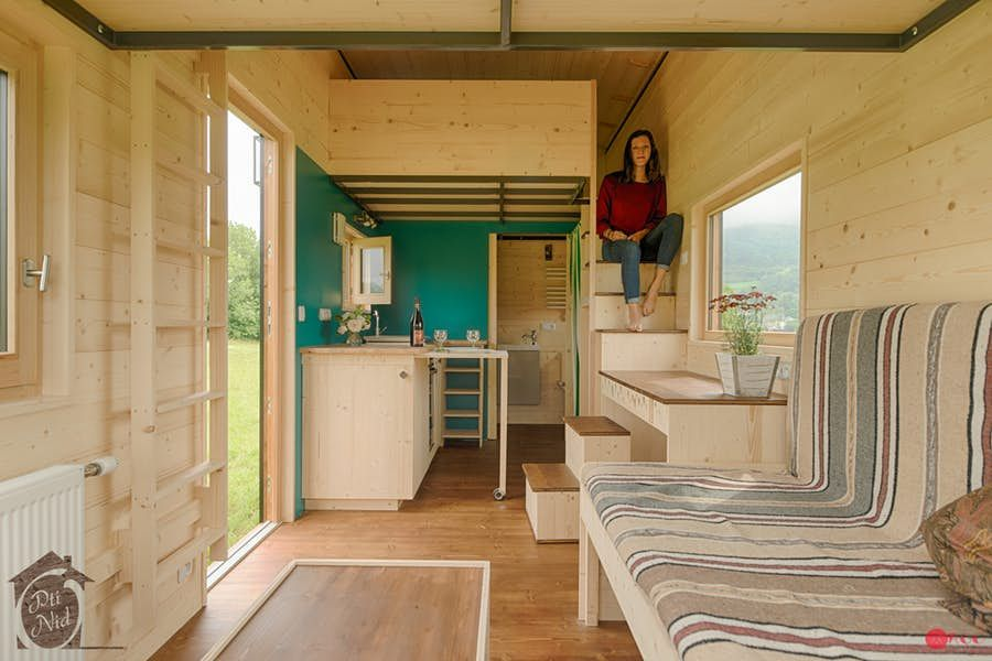 Tiny House Opens Up To The Sun With Sliding Roof House Tiny House Tiny Apartments