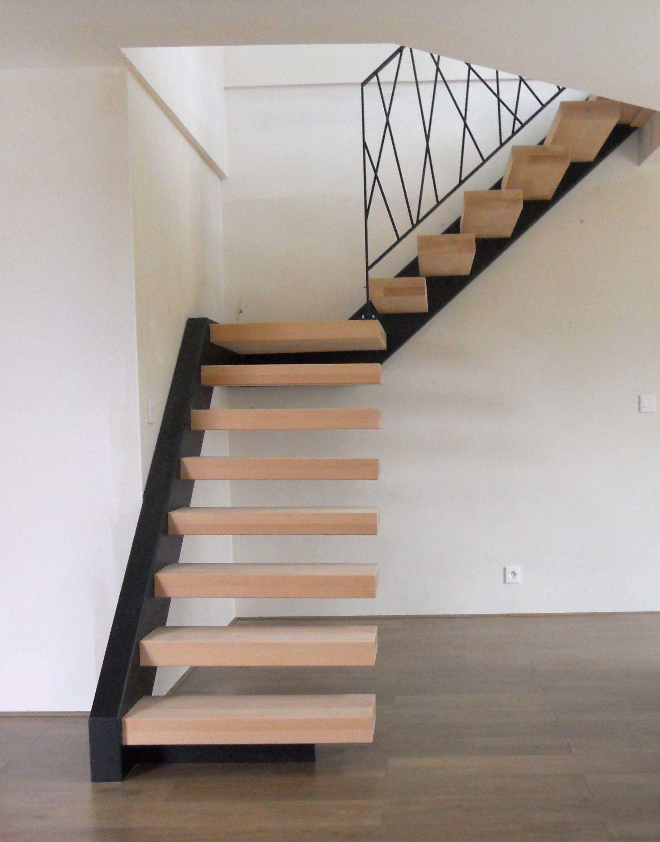 Maitre D Oeuvre Cholet les escaliers tour du bois fière de cette réalisation en