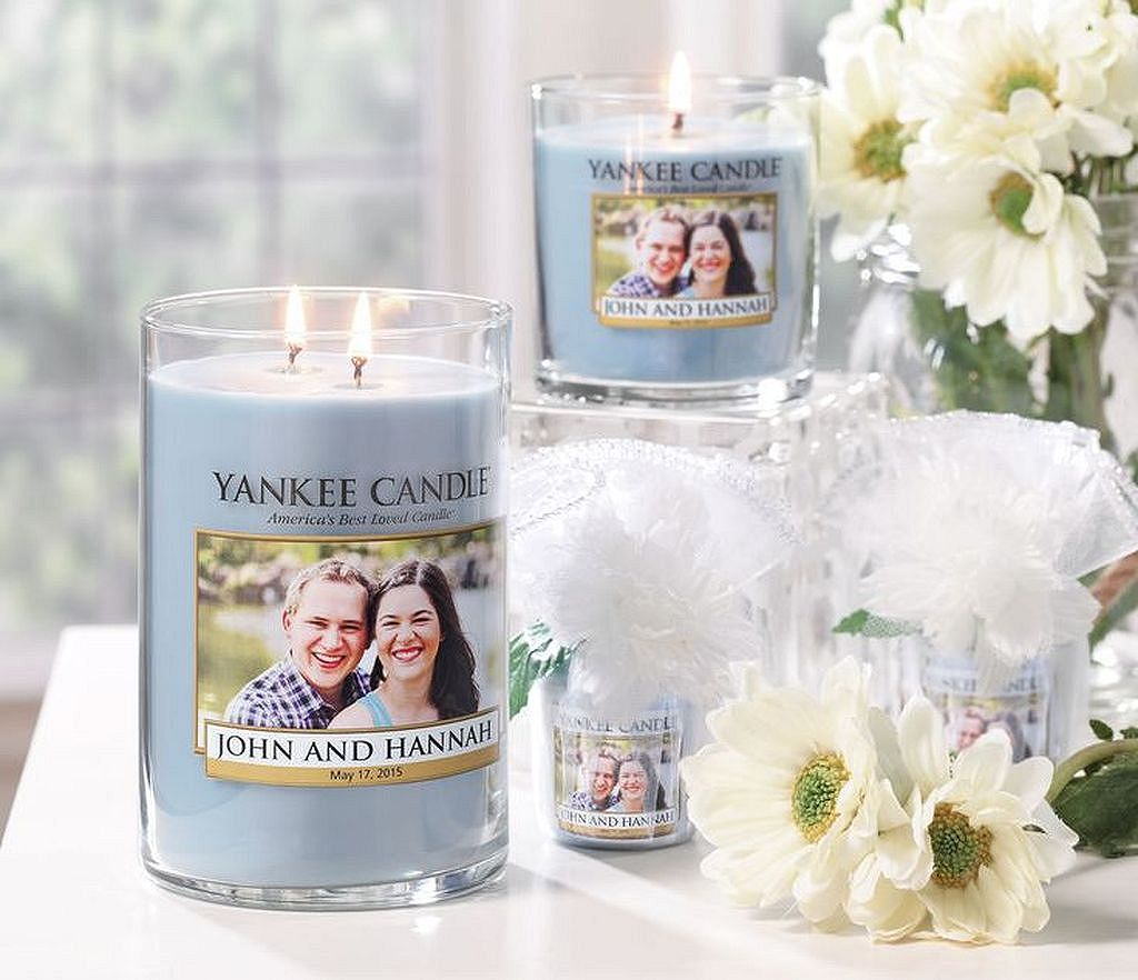 20+ Fancy Wedding Candle Personalised | Wedding shower favors ...