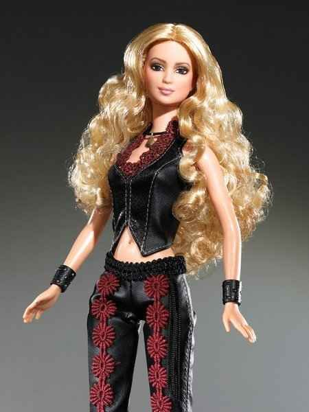 Shakira | 15 Singers You Might Not Know Were Immortalized As Barbies. ;)