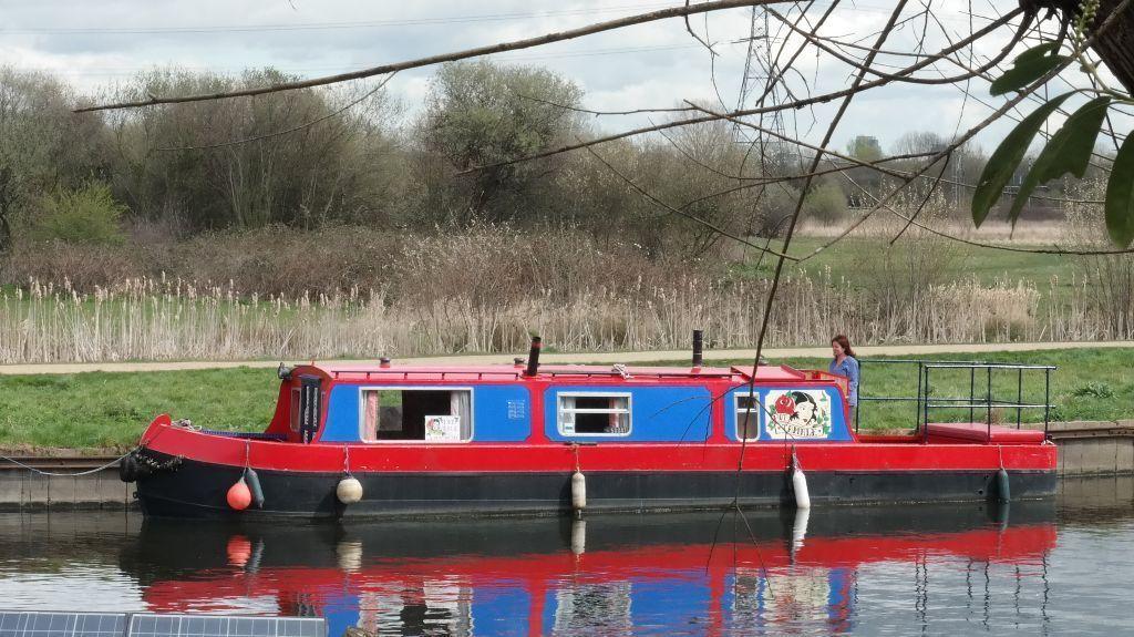 Narrowboat 'Hot Tamale' Hackney, London Gumtree