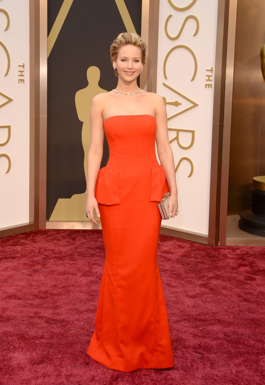 Jennifer lawrence robe oscar