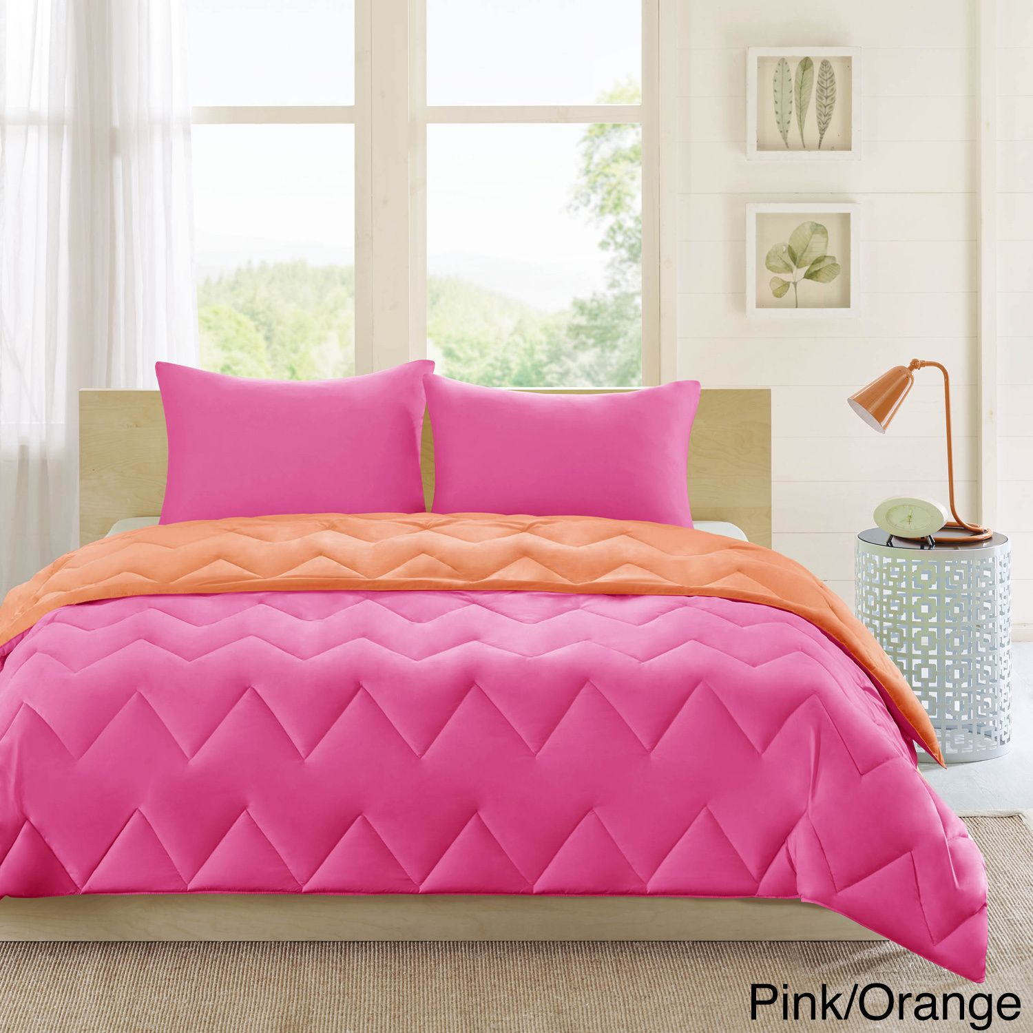 The penny comforter is a fun way to add a pop of color to your