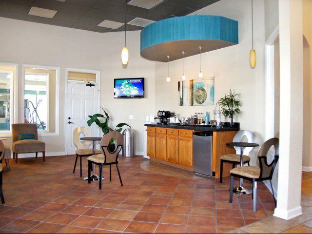 Villas At Gateway Pinellas Park Apartment Apartments For Rent Villa
