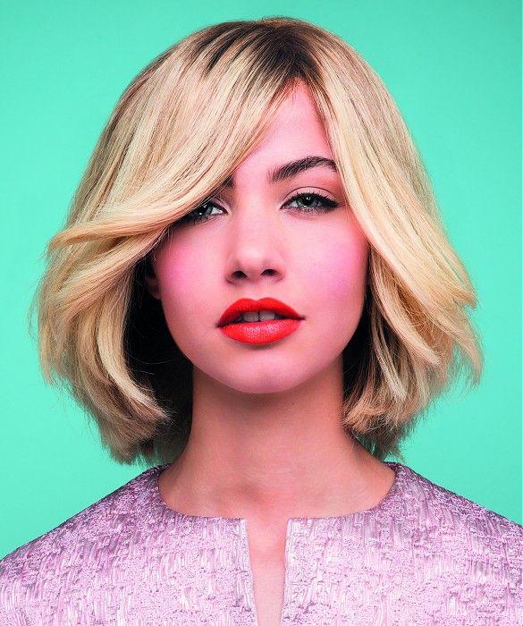 Tchip Coiffure Medium Blonde Straight Hair Styles Ukhairdressers Com Beautiful Blonde Hair Hair Styles Medium Length Hair Styles