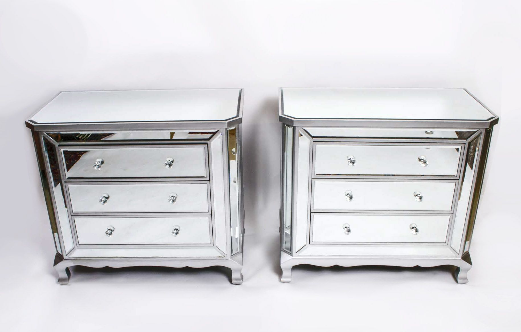 This Is A Fabulous Pair Of Art Deco Style Mirrored Chests Of Drawers With Silvered Show