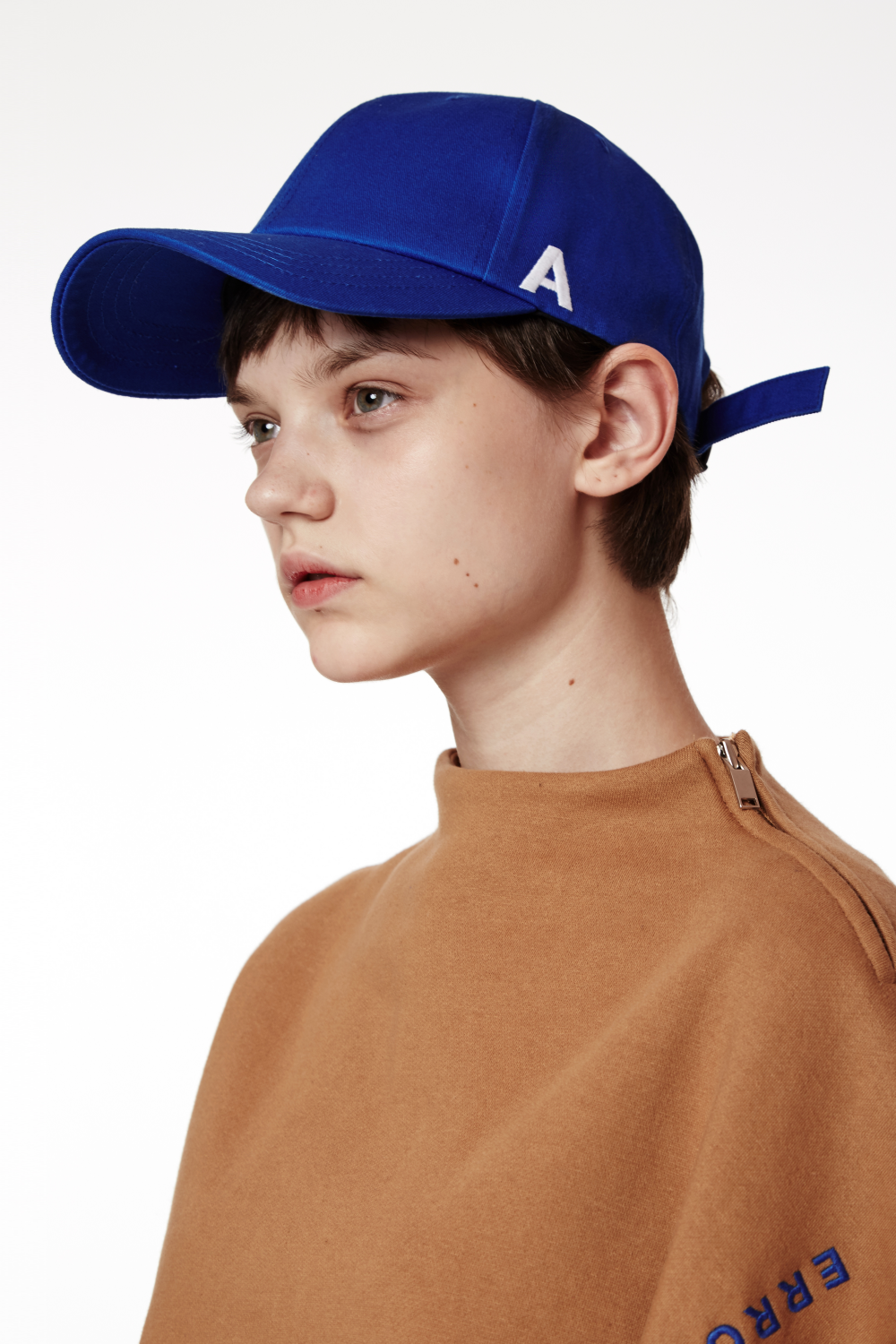 ADER AderSpace Shop Faces 패션 잡지 사진, 남성 모델 및 그림