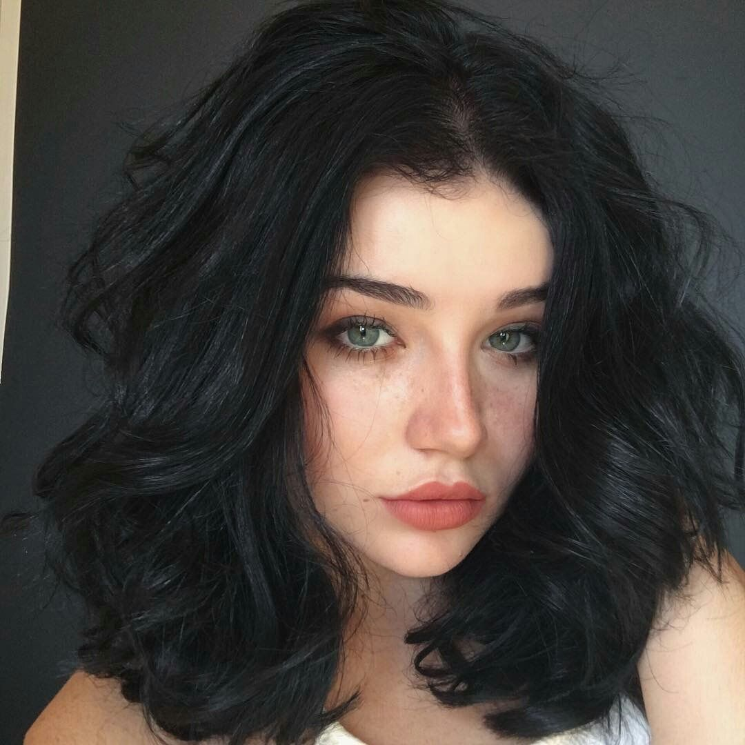 Snow Is Looking For Hairstyle Inspiration For Her Short Jet Black Hair She Needs To Keep Up With Her L Hair Beauty Hair Color For Black Hair Hair Inspiration