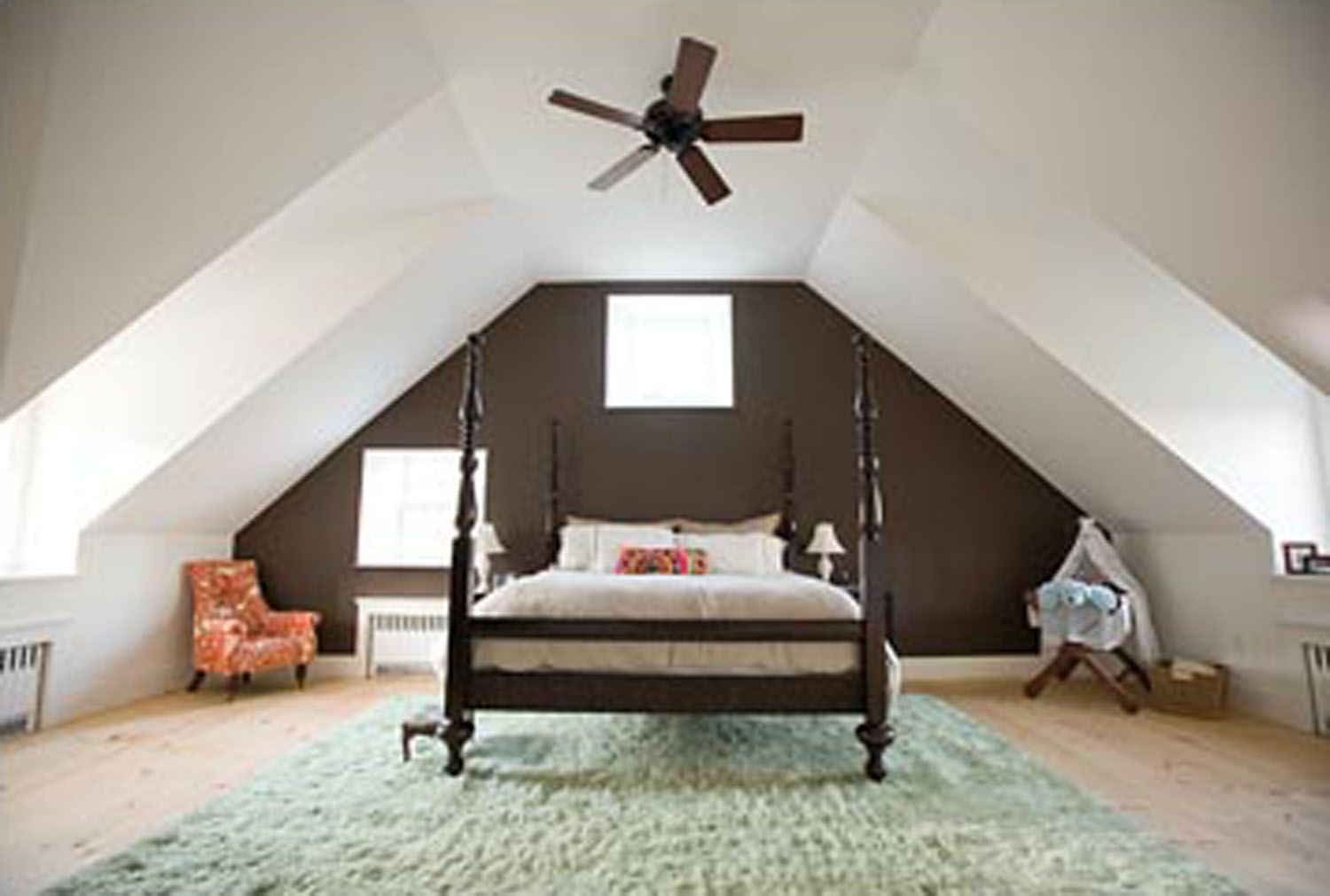 The best painting attic room slanted walls property list for Attic bedroom decoration