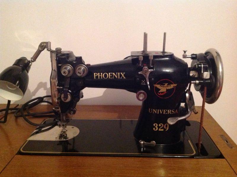 Singer Nähmaschine Alt eine alte antike nähmaschine phönix phönix universa 329