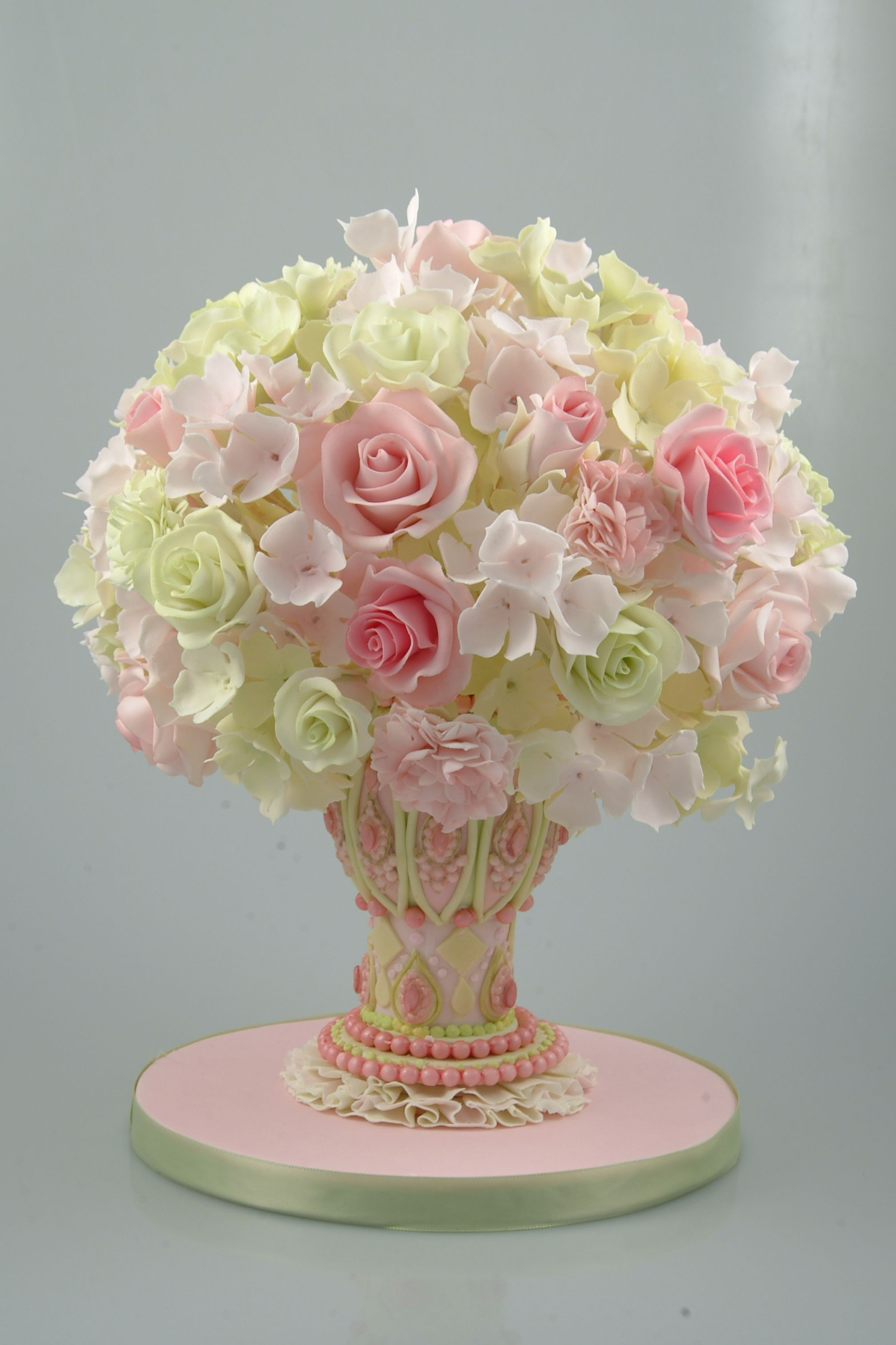 Sugar flower arrangement cake cakes pinterest sugar flowers