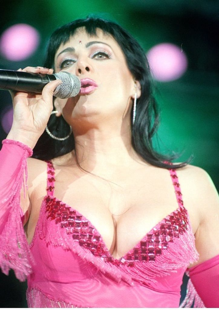 Maribel Guardia cumple 54 años y se ve espectacular