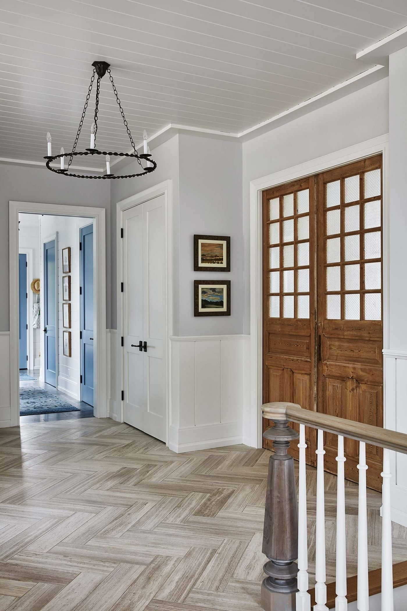 Residential Interior Project Has Modern Yet Vintage Take: Get The Look! Sarah Richardson Off The Grid House {Foyer