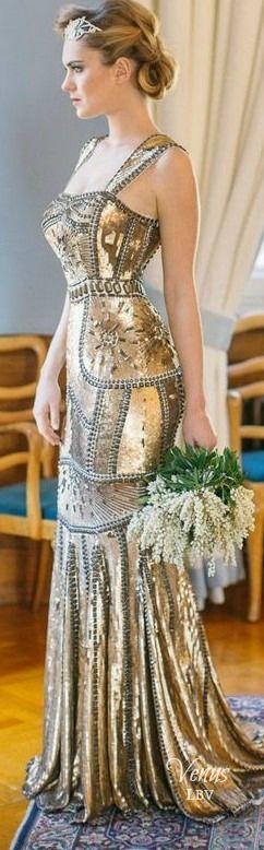 Splurge + Save With These Wedding Registry Essentials Alkalmi Ruhák 0b3fc222ab
