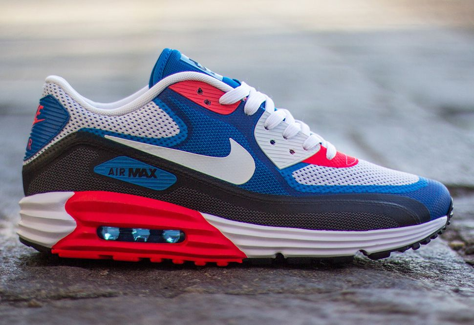 red bianca and blue nike air max
