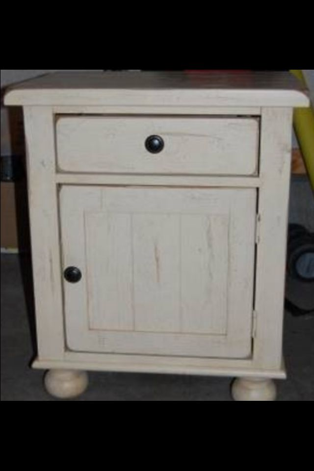 Broyhill Attic Heirlooms Night Stand In Eggshell Color Broyhill Furniture Collection Solid Oak