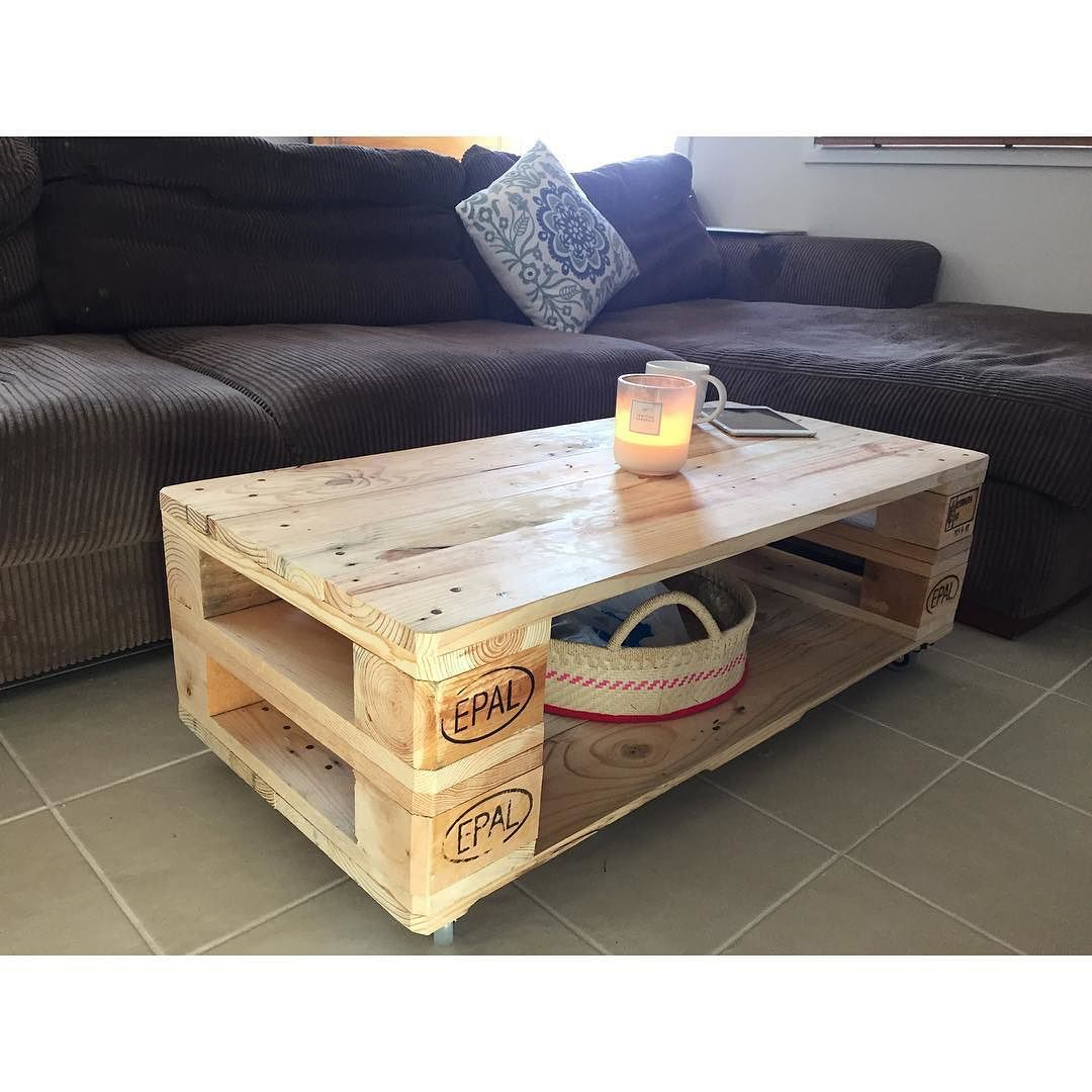 50 Wonderful Wooden And Coffee Table With Wheels Perabot Palet Desain Mebel