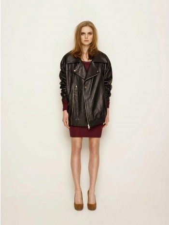 Neeeeeeed this oversized leather jacket!