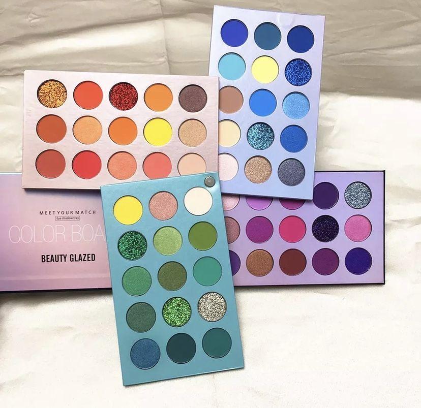 4 In 1 Eyeshadow Board New 2020 Release In 2020 Beauty Glazed Eyeshadow Glitter Eyeshadow Palette