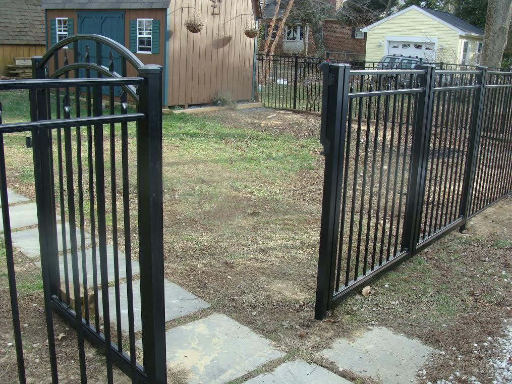 Aluminum 3 Rail Canterbury Fence Outdoor Structures Outdoor Fence