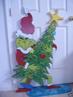 Christmas Present For Your Garden Or Front Yard Description From Pinterest Com I Searched Christmas Yard Art Grinch Decorations Grinch Christmas Decorations