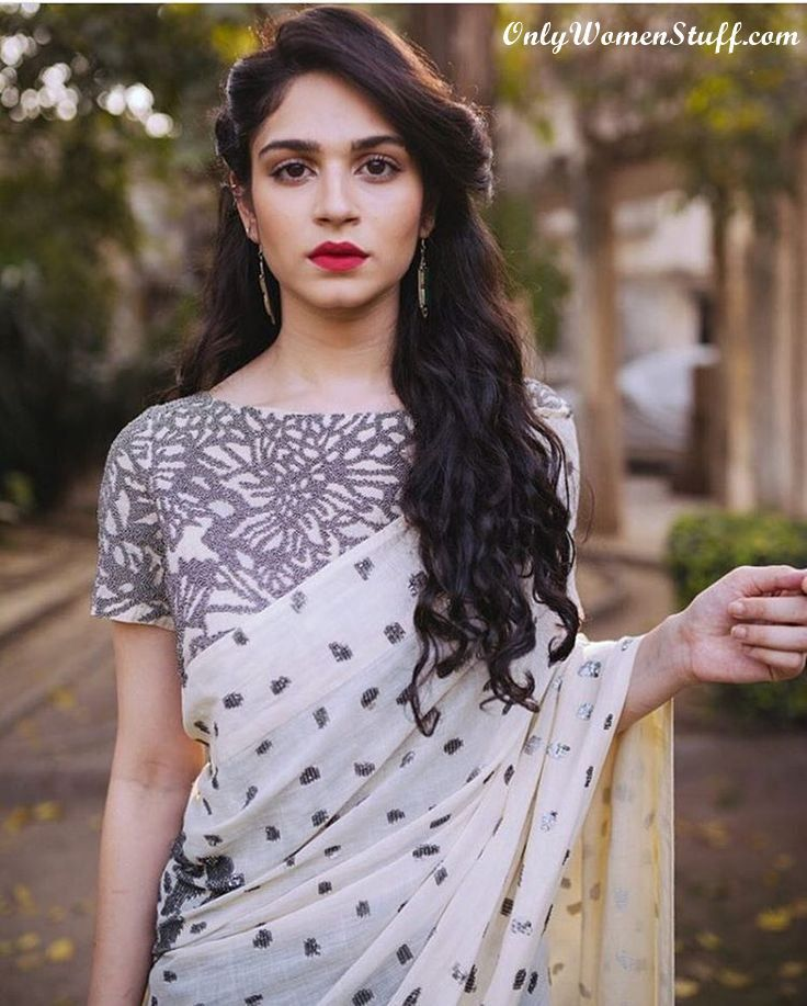 Top 15 Hairstyles For Sarees Pictures For All Types Of Face Hair