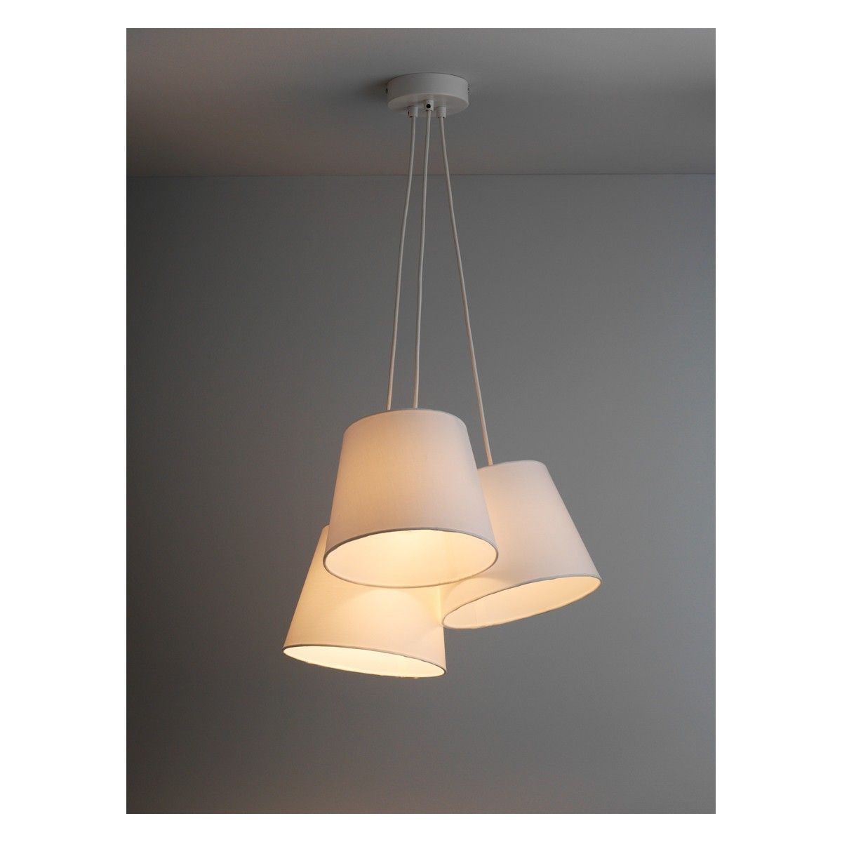 Tipp 3 drop cluster ceiling light with white fabric shades buy now ceiling lights mozeypictures Gallery