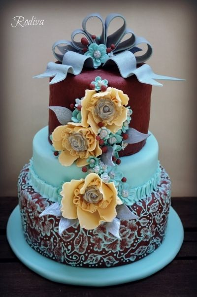 Teal & Burgundy Bridal Shower Cake #weddingcake #wedding #luxurywedding #martrimonio #boda #casamento #mariage #nuptials #bride #bridal #sposa #noiva #novia #groom #sposo #noivo #novio