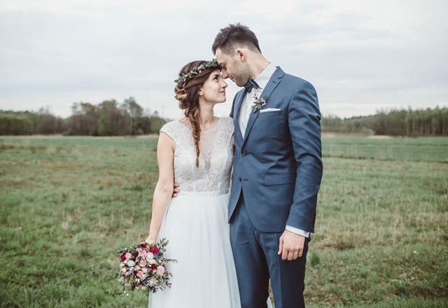 Bukietlove Kwiaty Na Slub Bukiety Slubne Krakow I Okolice Sesja Slubna Ani I Dawida Kwiecien 2016 Wedding Dresses Dresses Wedding
