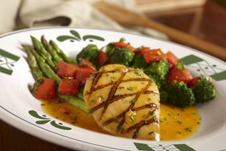 Lighter italian fare venetian apricot chicken lunch - Olive garden eastpointe mi 48021 ...