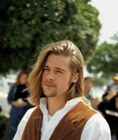 Brad Pitt Around The Time Of Legends Of The Fall Brad Pitt Brad Pitt Haircut Brad Pitt Long Hair