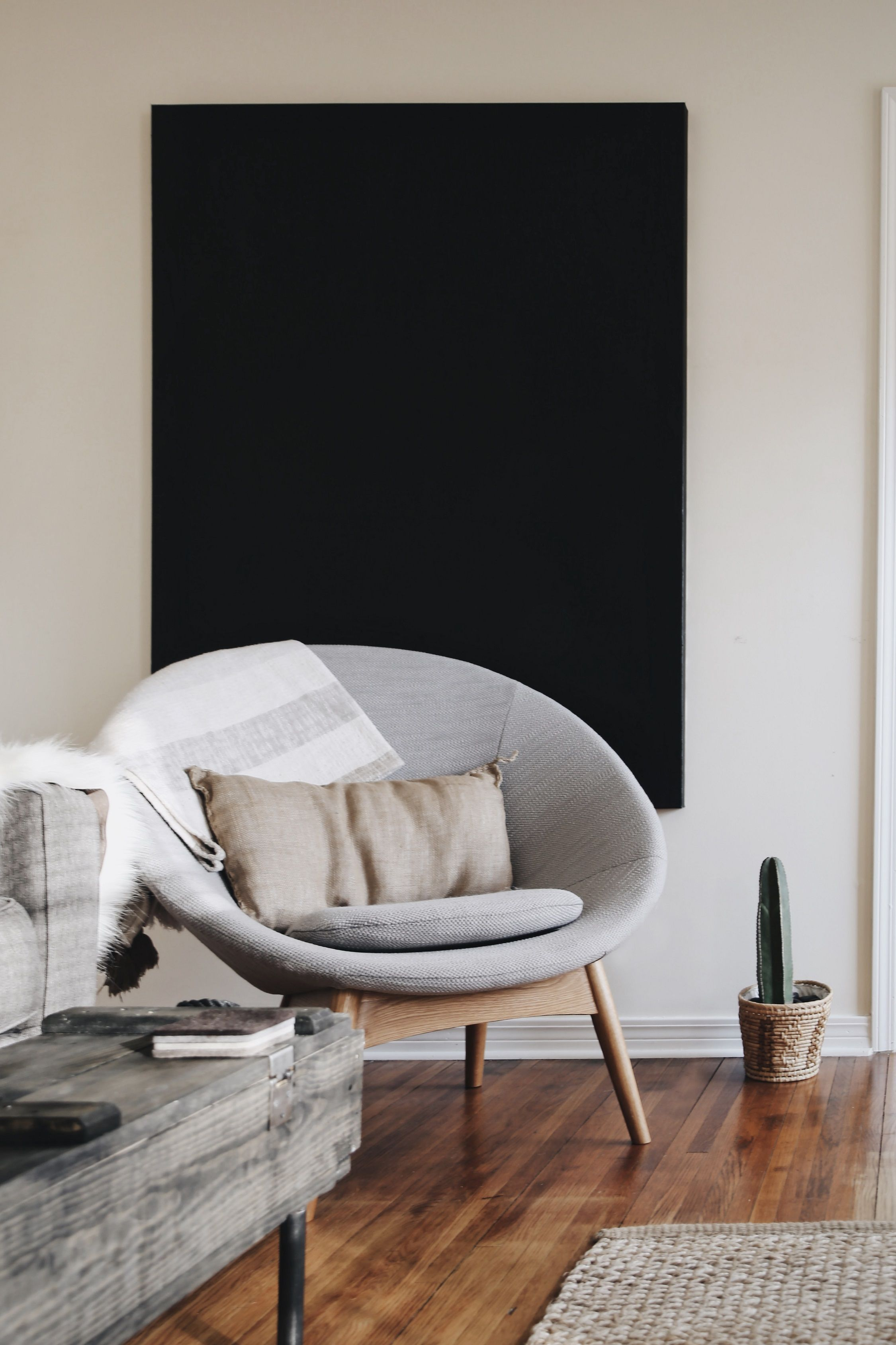 When It Comes To Decorating A Living Room You Want To Make Sure It S Both Comfortable And I In 2020 Wohnzimmer Dekor Modern Wohnzimmersitzecke Moderne Wohnzimmerideen
