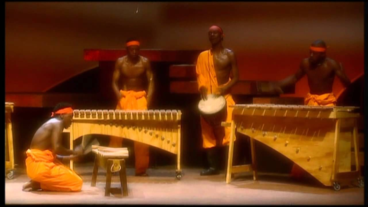 "Teatro. ""Umoja the Spirit of Togetherness"" (2001). Información sobre el musical en http://www.crawfurd.dk/photos/umoja.htm #Apartheid"