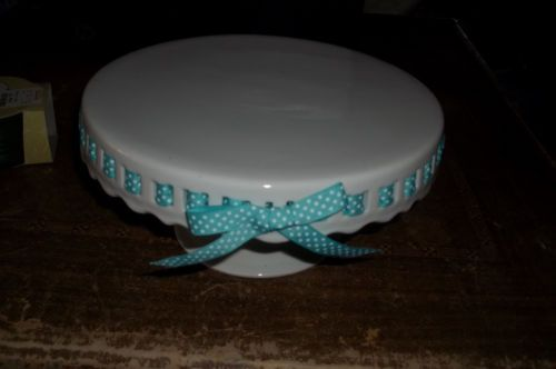 Heirloom collection 10 inch pedestal cake plate stand white blue ribbon & Heirloom collection 10 inch pedestal cake plate stand white blue ...