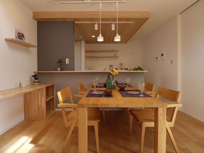 木と光を感じる豊かな家 リビング キッチン 新築 キッチン キッチンインテリアデザイン