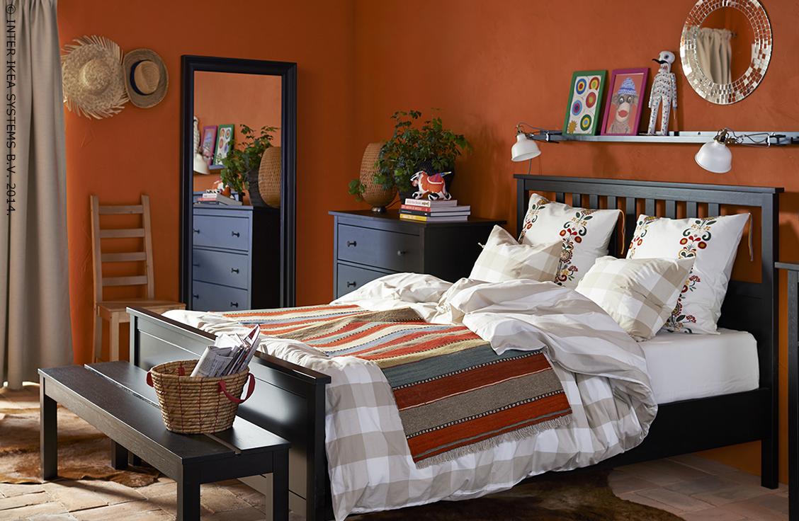 vous pouvez associer plein de motifs pour autant que les couleurs se marient bien entre elles. Black Bedroom Furniture Sets. Home Design Ideas