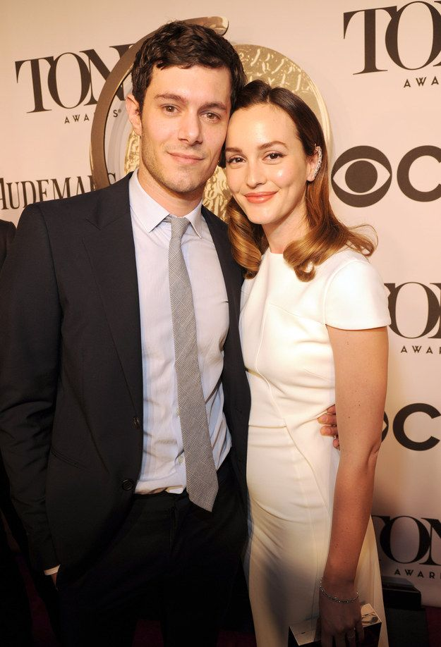 10 Photos Of Leighton Meester And Adam Brody Making Their Debut As A Married Couple Celebrity Couples Adam Brody Leighton Meester Adam Brody