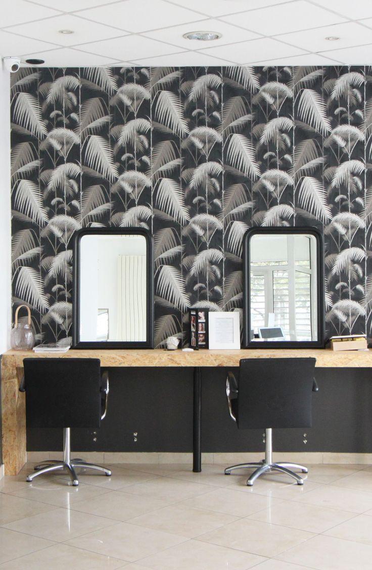 L Atelier De Sorore 75011 Paris Offrez Vous Un Shot De Bonne Humeur En Penetrant Dans Le Salon De Coiffure Home Decor Conference Room Table Conference Room