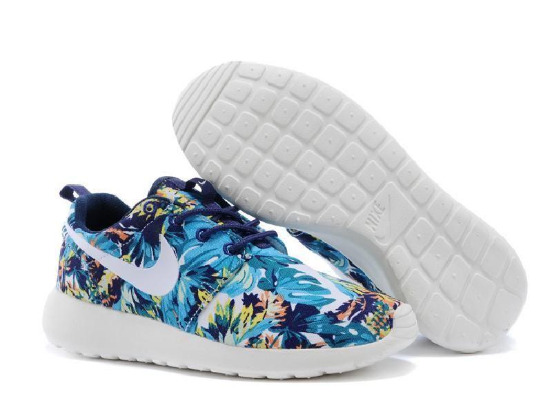 bad8c0ad3830 Lightning Shoes-Nike Women s Roshe Run Print Sneakers