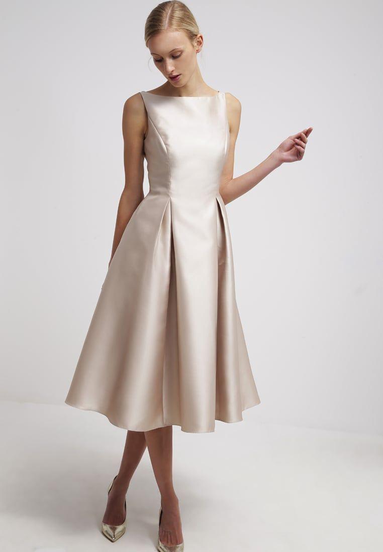 Ein Kleid prickelnd wie ein Glas Champagner. Adrianna Papell ...